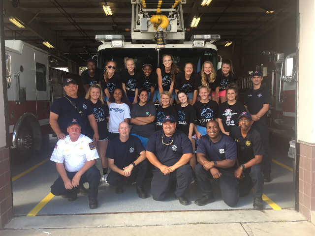 girls-with-firemen